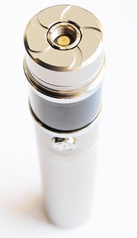 Коннектор Sigelei 20W позволяет использовать как 510-е, так и eGo-клиромайзеры
